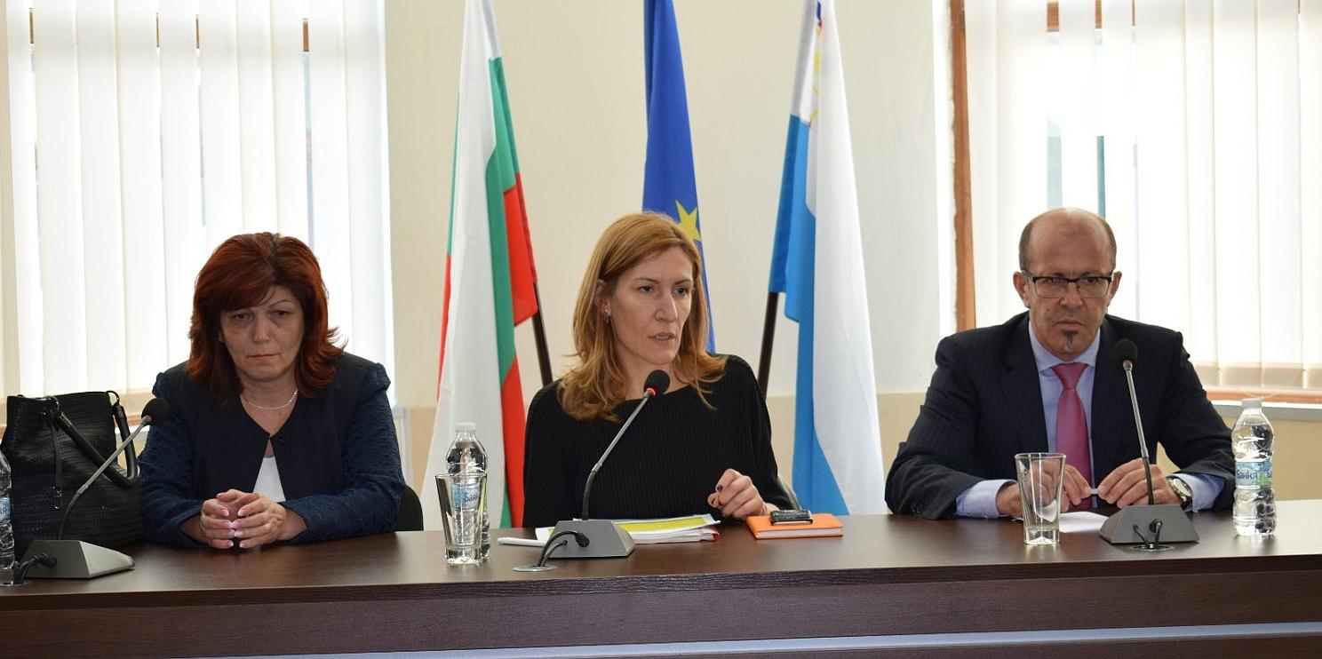 среща на министър Ангелкова в Приморско