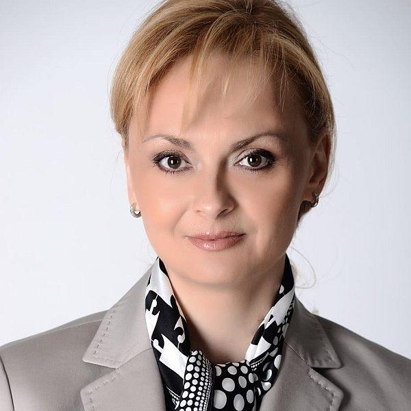 Поли Карастоянова