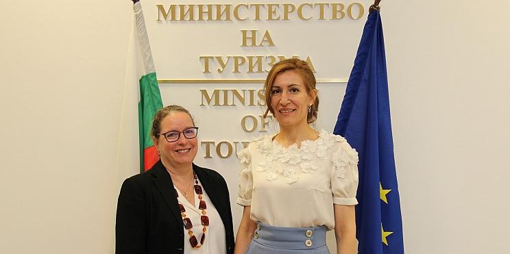 Министър Ангелкова и посланик Ирит Лилиан