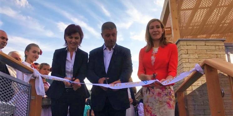 Ангелкова открива аквапарк