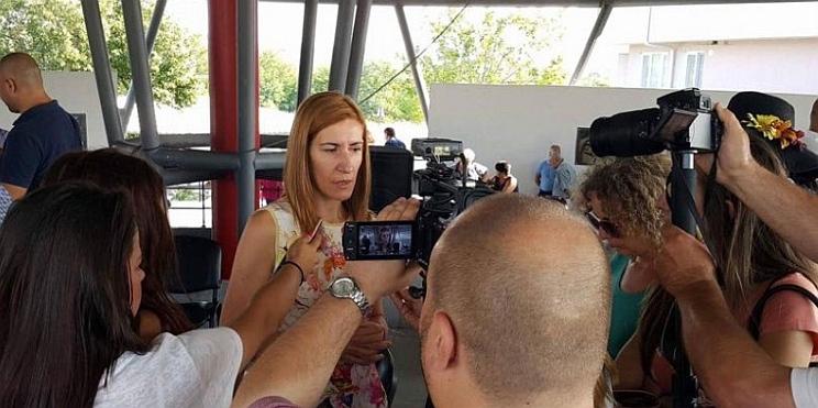 Ангелкова пред медии в Средец