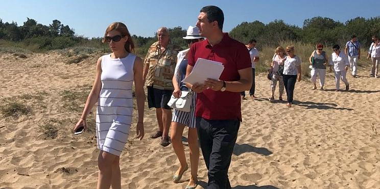 Министър Ангелкова инспектира морски плаж Корал