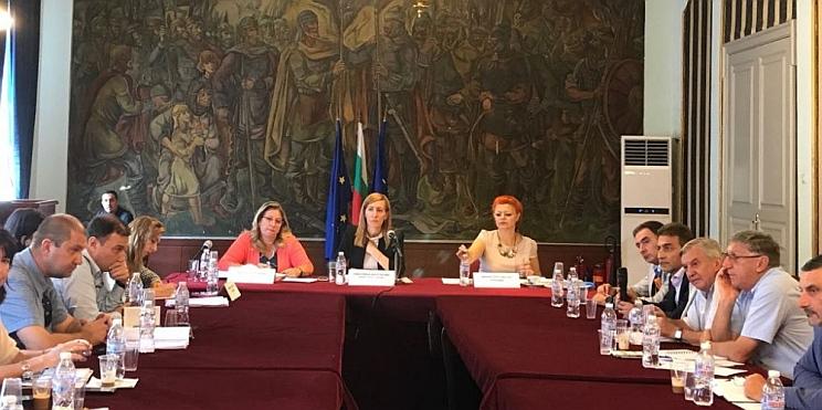 среща на министър Ангелкова с туристическия бизнес