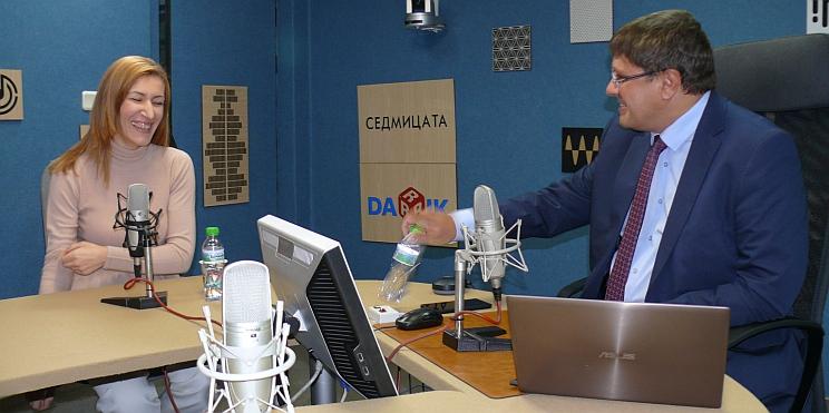 Ангелкова в Дарик радио