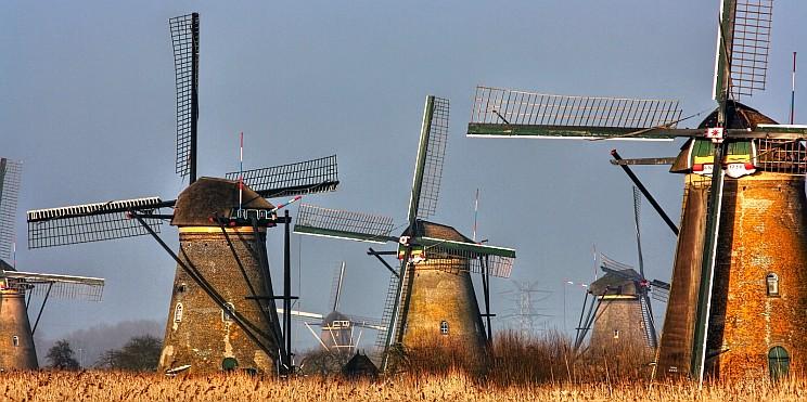 вятърни мелници в Киндердайк, Нидерландия