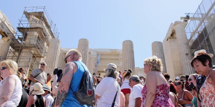 туристи в Гърция