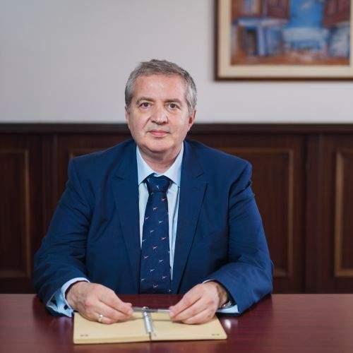 Максим Солаков