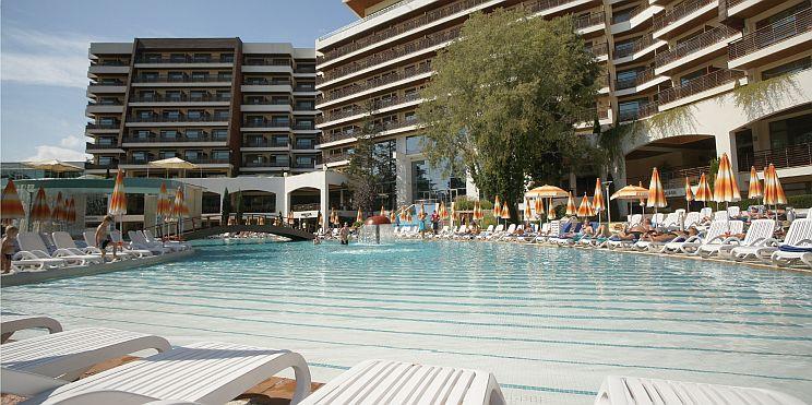 басейн на х-л Фламинго, к.к. Албена