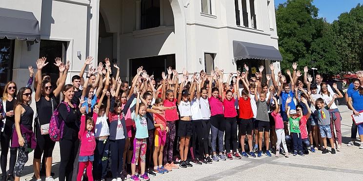 участници в Лекоатлетическата обиколка в курорта Св. Св. Константин и Елена