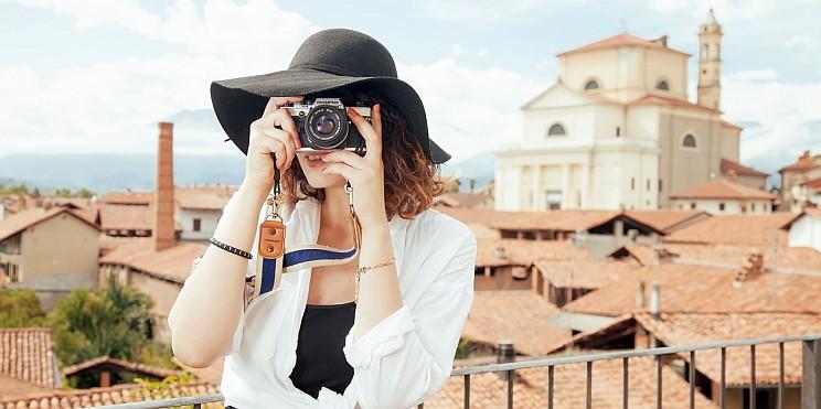 туристка-фотограф