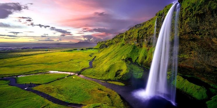 водопад в Исландия