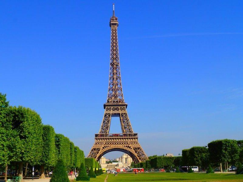 Айфеловата кула в Париж, Франция